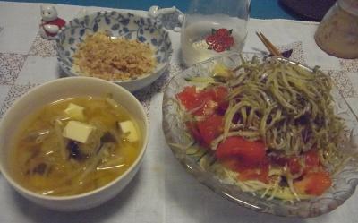 R0010524_0913夜-じゃこサラダ、味噌汁、かつお節_400.jpg