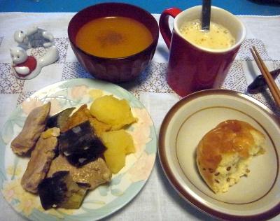R0010574_0922夜-ポークと野菜スープ煮、くるみパン、スープ、きなこミルク_400.jpg