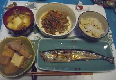 R0010818_1112夜-頭カットしたサンマ、豚の煮物、レンコンきんぴら、味噌汁_400.jpg