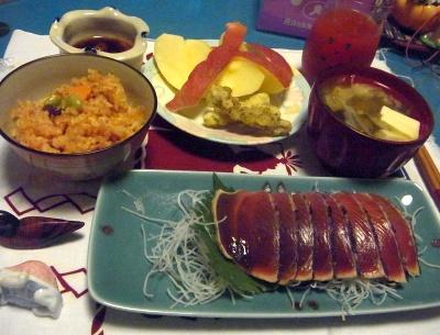 R0010910_1128夜-カツオたたき、サンマご飯、イカの磯辺揚げ、味噌汁、リンゴ_400.jpg