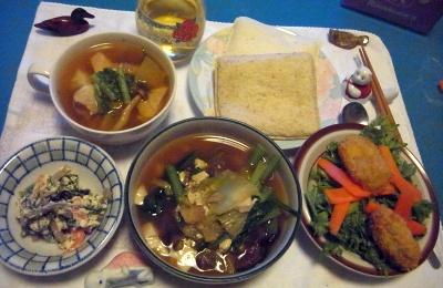R0011096_0108夜-カキフライサラダ、湯豆腐鍋、白和、チキンスープ、ランチパックサンド_400.jpg