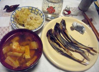 R0011397_0204夜-アゴ干物焼き、豆腐吸い物、ご飯、海老しんじょ風_400.jpg