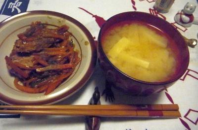 R0011885_0507夜-ブリ野菜いため、豆腐味噌汁_400.jpg