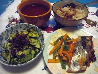 R0011911_0513夜-鰆の照り焼き、きゅうり錦松梅サラダ、納豆ご飯、スープ_400.jpg