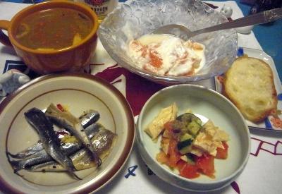R0012018_0525夜-セグロイワシ酢漬け、チキンサラダ、スープ、グレープフルーツヨーグルト、フランスパン_400.jpg
