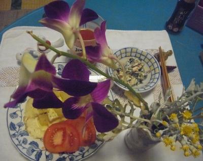 R0012082_0607夜-花のある食卓_400.jpg