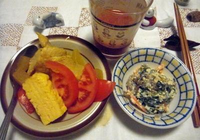 R0012084_0608夜-チキンスープに、トマト、玉子焼き、白和、トマトジュース_400.jpg