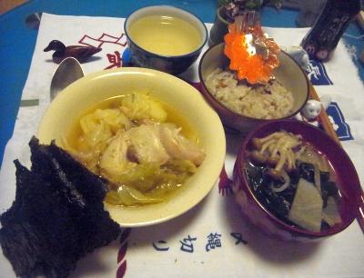 R0012219_0706夜-キャベツとポークスープ煮、とびっこご飯、焼き海苔、味噌汁_400.jpg