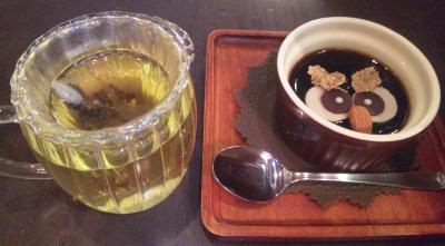 SBSH0524_0721鳥のいるカフェのコーヒーゼリーとハーブティ_400.jpg