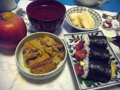 R0012615_0917夜-厚揚げ煮物、鉄火巻き寿司、大根サラダ、お吸い物、りんご_400.jpg