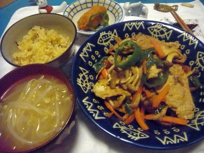 R0012758_1014夜-ポークソテー、野菜炒め、もやし味噌汁、サンマご飯、カキフライ_400.jpg