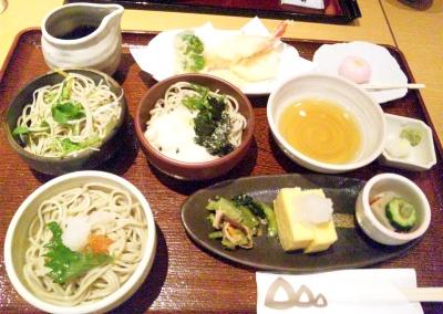 SBSH0593_1119昼外食-三色蕎麦セット_400.jpg