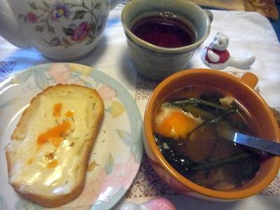 R0013680_0111昼-フランスパンチーズトースト、温泉卵スープ、紅茶_400.jpg