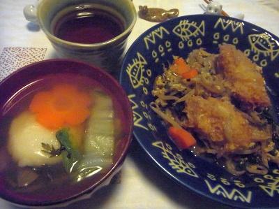 R0013691_0111夜-鏡餅のお雑煮、牡蠣フライともやし炒め_400.jpg