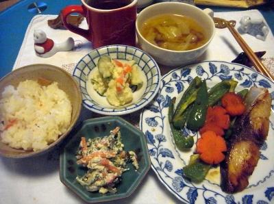 R0013962_0223夜-ブリ照り焼き、白あえ、ポテトサラダ、野菜スープ、すし飯_400.jpg