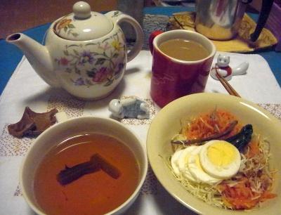 R0014001_0303夜-サラダ、スープ、紅茶_400.jpg