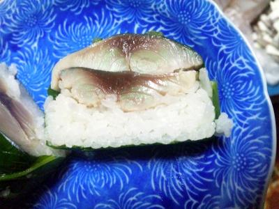 SBSH0691_0423昼-鯖押し寿司、美味しい_400.jpg