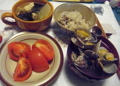 R0014235_0430夜-あさり潮汁、トマト、鶏と昆布と大根の煮物_400.jpg