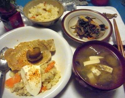 R0014530_0711夜-ポークソテー、ポテトサラダヨーグルト添え、味噌汁、ほうれん草のあえ物、寿司ご飯_400.jpg