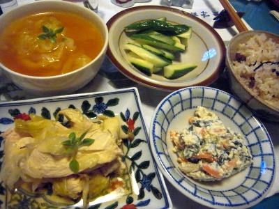 R0014614_0724夜-チキンスープ煮、白あえ、伴とスープ、きゅうり_400.jpg