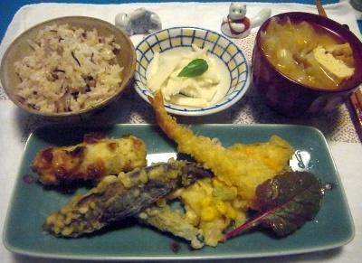 R0014826_0811夜-天ぷら、厚揚げキャベツ味噌汁、大根サラダ、雑穀米ご飯_400.jpg