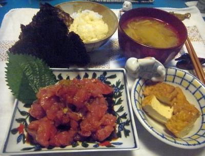 R0014830_0812夜-マグロすき身、厚揚げ煮物、味噌汁、海苔_400.jpg