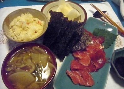 R0015169_0831夜-マグロ、海苔、味噌汁、寿司ご飯、梨_400.jpg