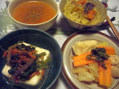 R0015457_1029夜-野菜のっけ冷奴、鶏とキャベツのスープ煮、トマトスープ、サンマオレンジご飯_400.jpg