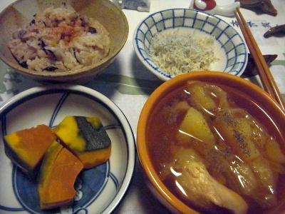 R0015464_1031夜-蒸しカボチャ、鶏とキャベツのスープ、ちりめんじゃこ、もち麦雑穀米ご飯_400.jpg