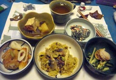 R0015552_1120夜-蒸しホタテとキュウリ、里芋フライトちくわ、ほうれん草の白あえ、サンマオレンジご飯、煮物_400.jpg