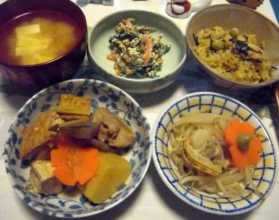 R0015559_1121夜-煮物、茹でホタテとモヤシ、白和え、サンマオレンジジュースご飯、みそ汁_400.jpg