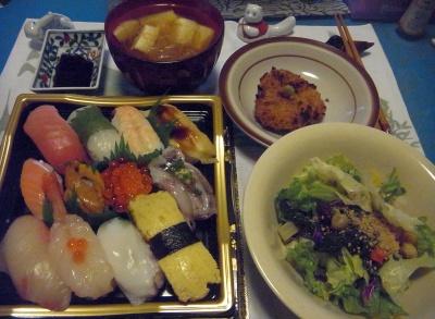 R0015638_1210夜-握り寿司、豆サラダ、チキンカツ、豆腐スープ_400.jpg