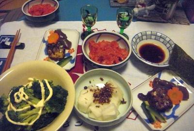 R0015742_1231夜-マグロの中落、サンマの甘露煮、ブロッコリー、大根山椒佃煮、焼きのり_400.jpg