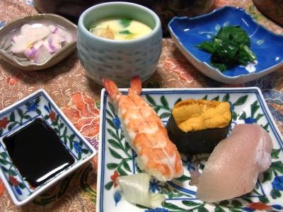R0024880_0119夜-上にぎり寿司、茶碗蒸し、ほうれん草のおひたし、蕪の酢の物_400.jpg