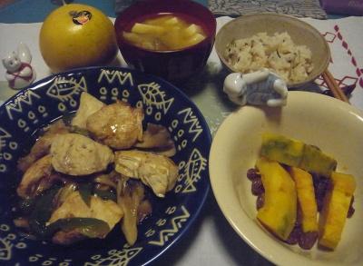 R0016060_0319夜-チキンソテー、かぼちゃサラダ、みそ汁、すし飯_400.jpg