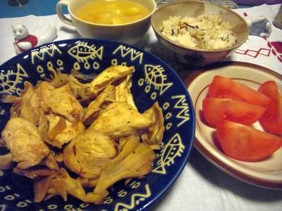 R0016072_0321夜-チキンカレー炒め、トマト、みそ汁、すし飯_400.jpg