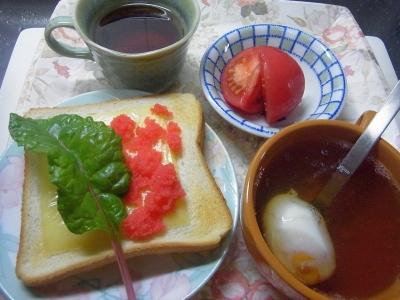 R0016323_0511昼-チーズ明太子スイスチャードの葉トースト、卵スープ、トマト_400.jpg
