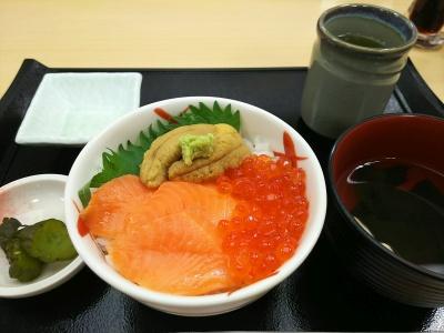 DSC_0223_0512夕食・外食-ウニ三色丼_400.jpg
