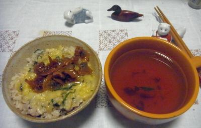 R0016512_0628深夜-アサリ佃煮卵ご飯、スープ_400.jpg