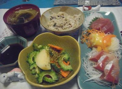 R0016578_0707夜-ゴーヤサラダ、刺身、モヤシみそ汁、雑穀ご飯_400.jpg