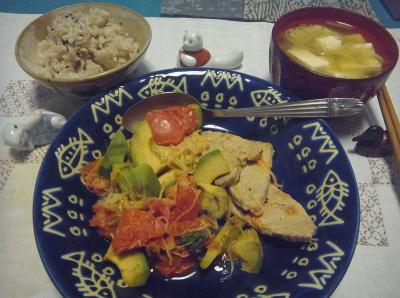 R0016586_0708夜-フィッシュソテー、アボカドとトマト、豆腐みそ汁、雑穀ご飯_400.jpg