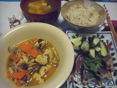 R0016620_0715夜-カツオのたたき、鶏の炒め煮、豆腐汁、穴子飯_400.jpg