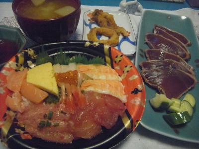 R0016740_0802夜-海鮮丼、カツオのたたき、みそ汁_400.jpg