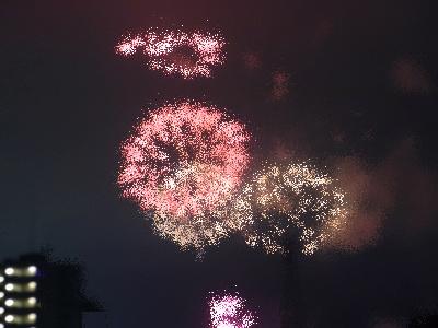 R0029696花火写真の花火を点描にした_400.jpg
