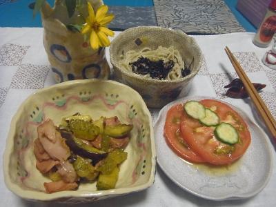 R0016868_0828夜-ゴーヤと焼き豚ソテー、トマト、蕎麦_400.jpg