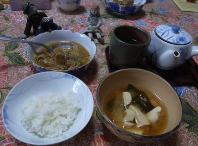 R0031206_1001昼-豆腐大根わかめみそ汁、炊き立てご飯、ラタトゥイユ_400.jpg