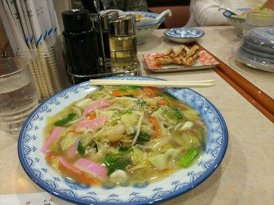 DSC_0661_0927昼長崎空港で皿うどん、友人たちと_400.jpg