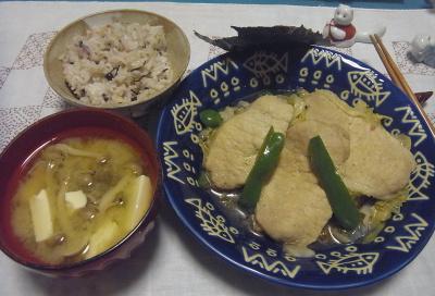 R0017044_1009夜-ポークソテー、豆腐みそ汁、雑穀ご飯_400.jpg
