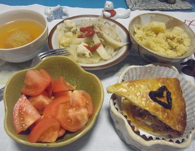 R0017167_1028夜-ハロウィンミートパイ、トマト、キャベツ蒸し煮、サンマご飯、スープ_400.jpg