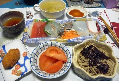 R0017181_1101夜-蕎麦、刺身、トマト、カキフライ、スープ_400.jpg